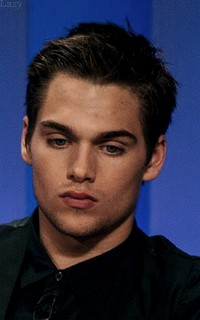Dylan Sprayberry  - Page 2 Liamva26