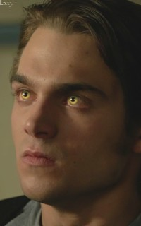 Dylan Sprayberry  - Page 2 Vavali12