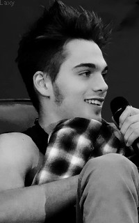 Dylan Sprayberry  - Page 2 Vavali14
