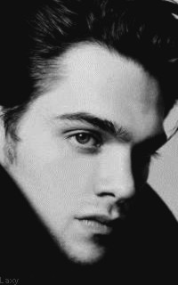 Dylan Sprayberry  - Page 2 Vavali21