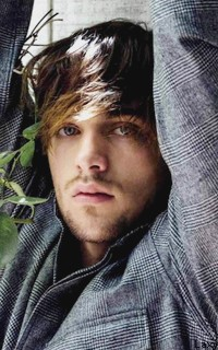 Dylan Sprayberry  - Page 2 Vavali23