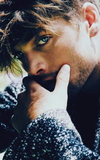 Dylan Sprayberry  - Page 2 Vavali27