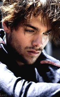 Dylan Sprayberry  - Page 2 Vavali32