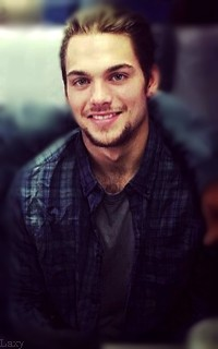 Dylan Sprayberry  - Page 2 Vavali44