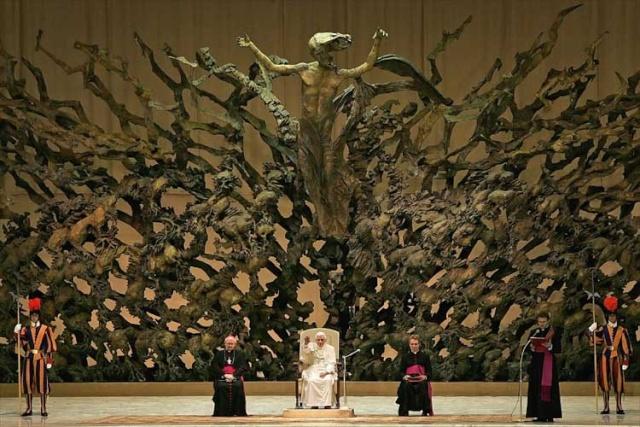Nouvelle salle aménagée au Vatican La20ry10