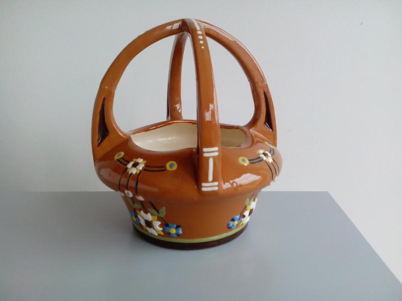Basket-like brown glazed terracotta bowl thingummy Img_2027