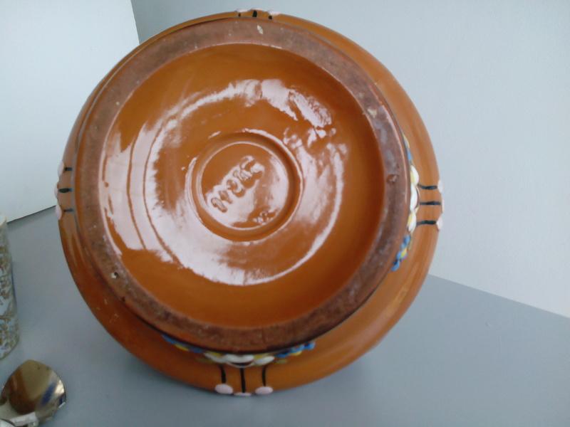 Basket-like brown glazed terracotta bowl thingummy Img_2028