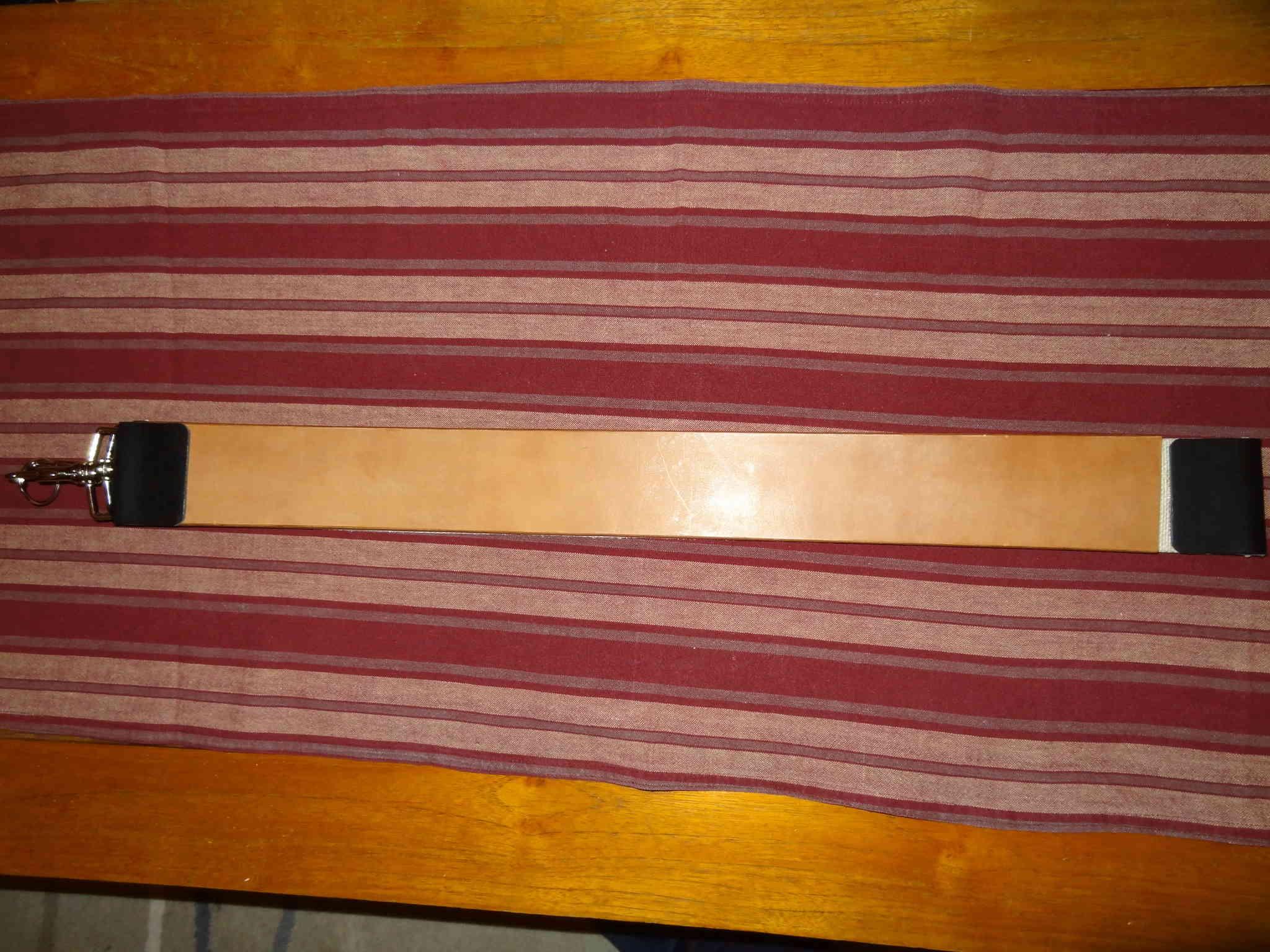 strop en cuir de cheval végétal Dsc01310