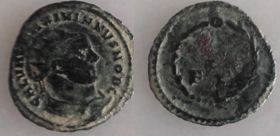 Radiado post-reforma de Galerio Maximiano. VOT X / F K en dos líneas dentro de corona. Cartago. 910