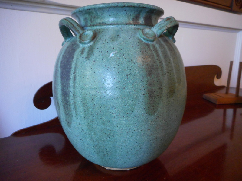 Need help IDing this stoneware vase with 3 lines as the mark or signature Dscn5318