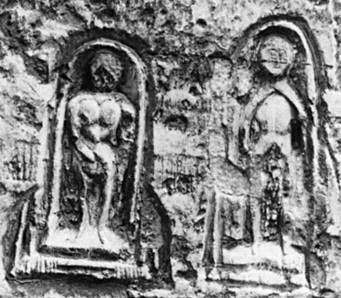 De la grotte CHAUVET à La PASTÈQUE prohibée : la VULVE SACRÉE Graffi11