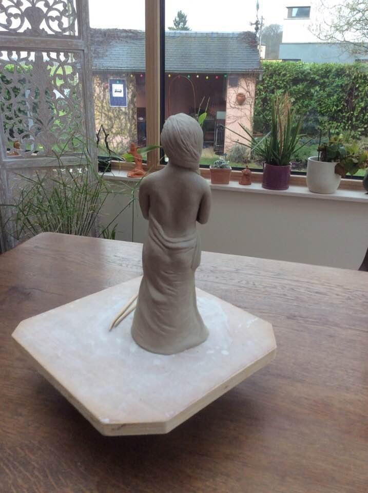Deuxième grande sculpture de 28 cm. Chamotte 25% 2c_gra10