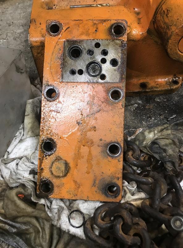 Problème relevage Renault 56 que j'ai redémarrer  Img_2515
