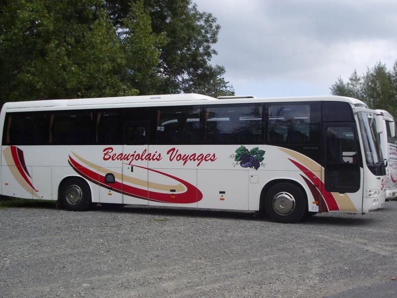 Cars Sivignon-Beaujolais Voyages 00210