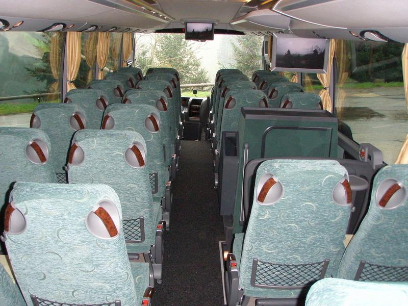 Autocars de la Vallée d'Azergues - Page 3 P4110012