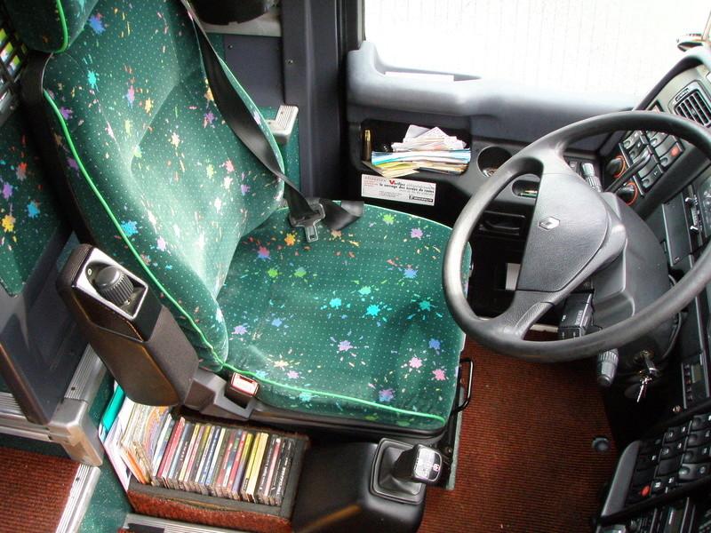 Autocars de la Vallée d'Azergues - Page 3 Pc220010