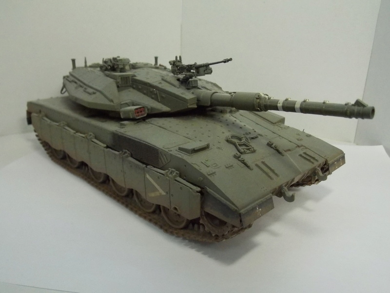 Merkava Mk.IIID LIC Hobby Boss 1/35 Dscn0116