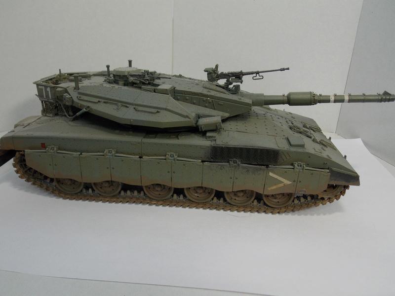 Merkava Mk.IIID LIC Hobby Boss 1/35 Dscn0117