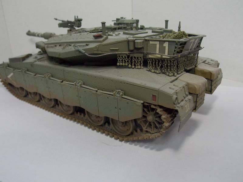 Merkava Mk.IIID LIC Hobby Boss 1/35 Dscn0119