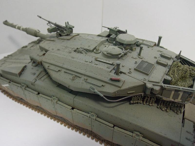 Merkava Mk.IIID LIC Hobby Boss 1/35 Dscn0121