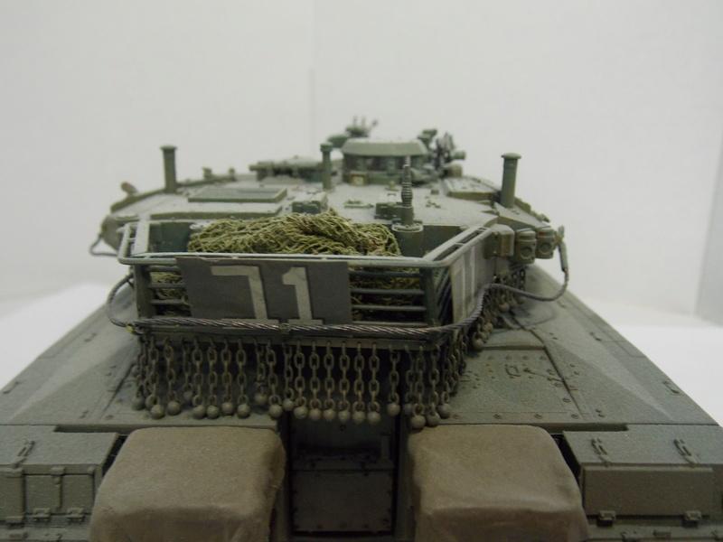 Merkava Mk.IIID LIC Hobby Boss 1/35 Dscn0122