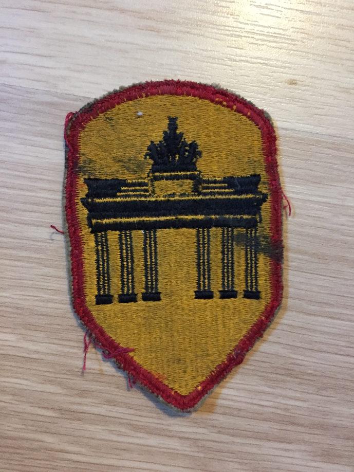 Authentification pattes d'épaule et insigne Dzdzrr10
