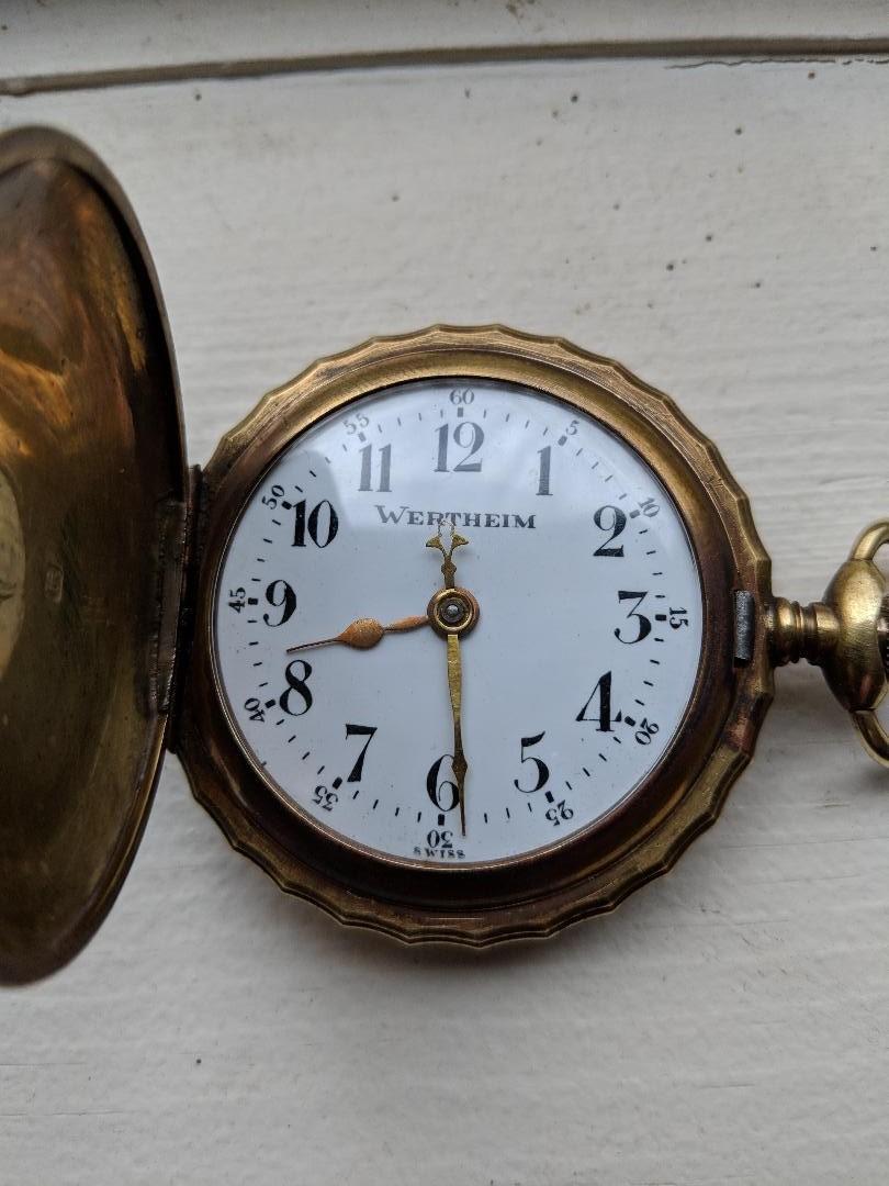 -Qt - 11 novembre 1918. Montres et horloges - Page 4 Belgia11