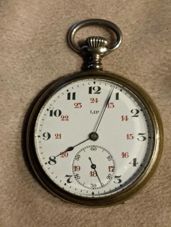 -Qt - 11 novembre 1918. Montres et horloges - Page 4 Guerre16