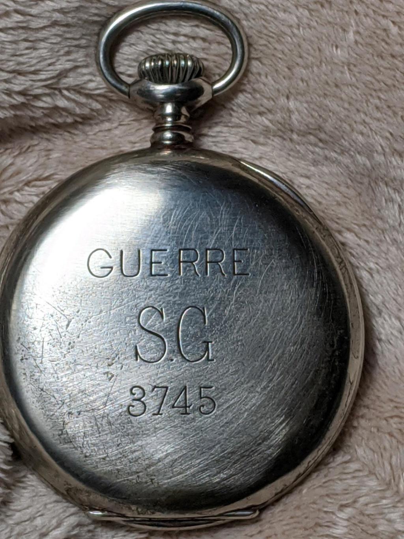 -Qt - 11 novembre 1918. Montres et horloges - Page 4 Guerre17