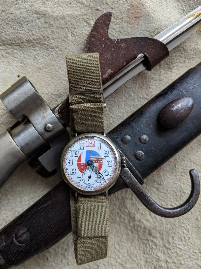 11 novembre 1918. Montres et horloges - Page 3 Wwi_a10