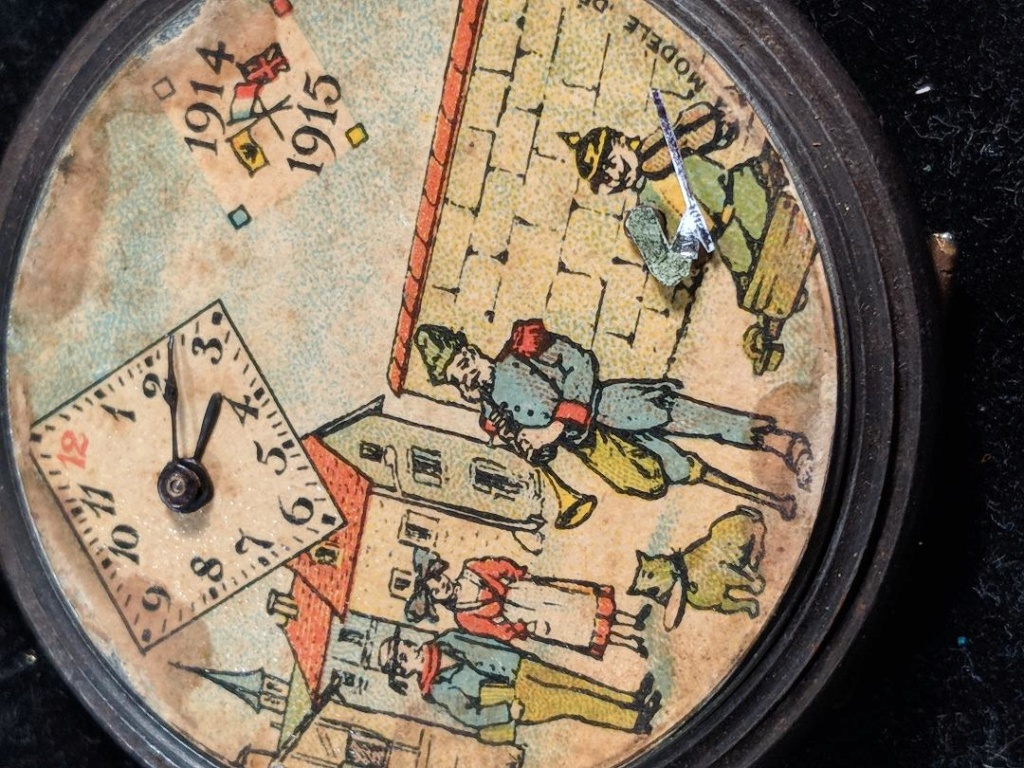 11 novembre 1918. Montres et horloges - Page 2 Wwi_a_12