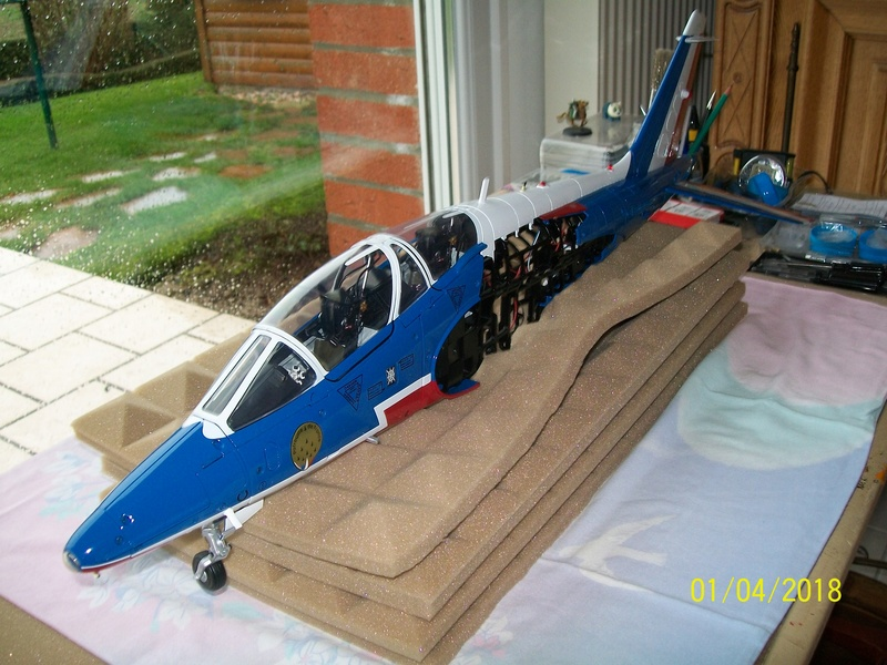 ALPHA JET(patrouille de France) echelle1/16 hachette collection. 00111