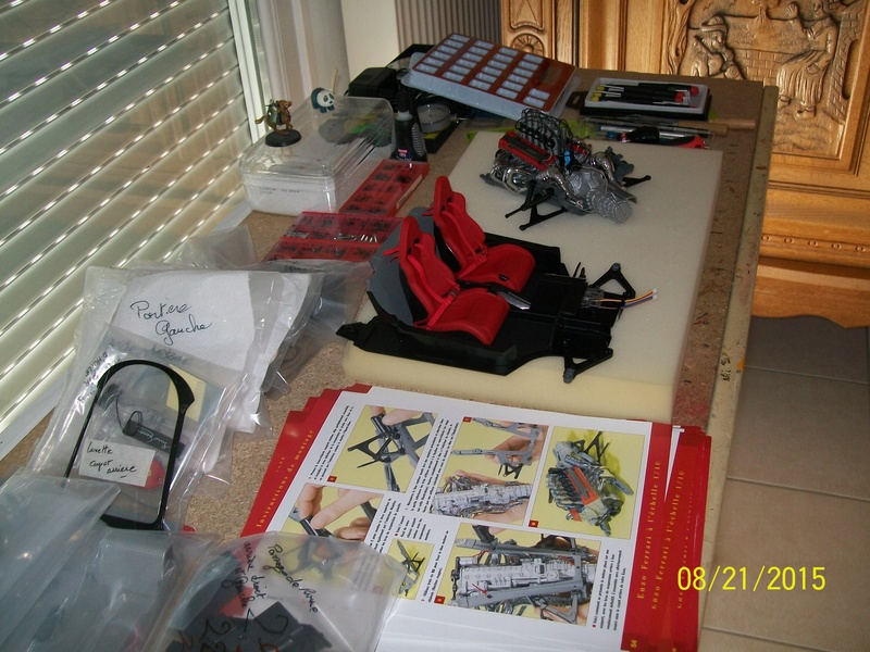 la  ENZO FERRARI maquette au 1/10 de chez Altaya.  100_4413