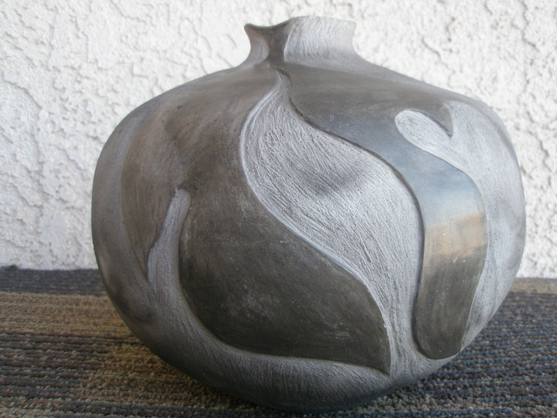 Help ID My Art Pottery Vase Pc220014