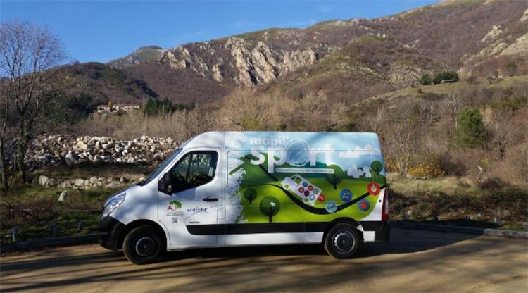 La Marche Nordique, un des Sports de Mobil'Sport Camion10