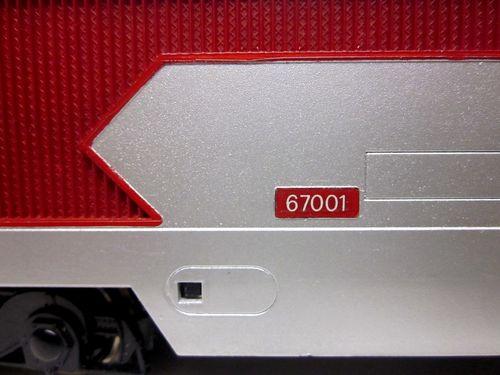 BB67001 couleur argent à bandes rouges. Kgrhqf10