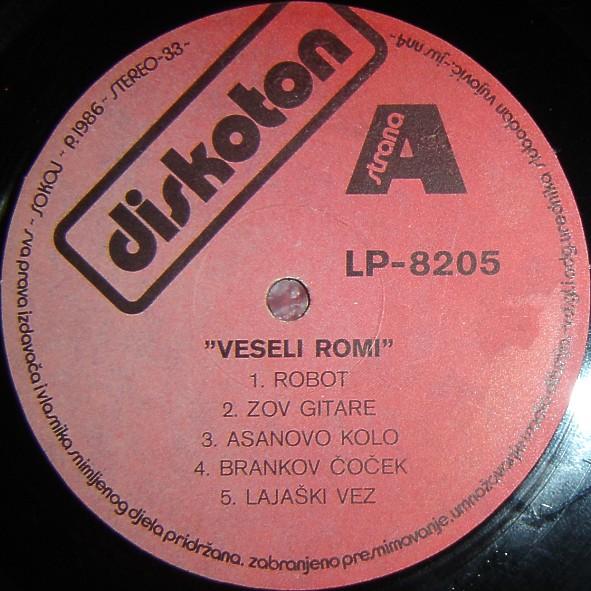 Veseli Romi - Omoti R-421612