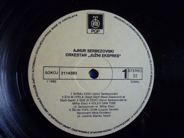 Ajnur Serbezovski - Omoti R-699210