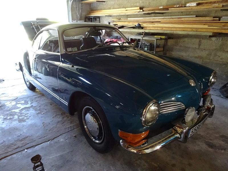 Karmann ghia 1970 bleu et blanc lac Dsc00312