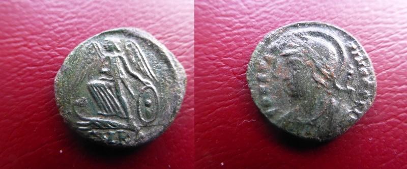 AE3 conmemorativa de Constantinopolis. Victoria estante a izq. sobre proa. Cycico P1060112