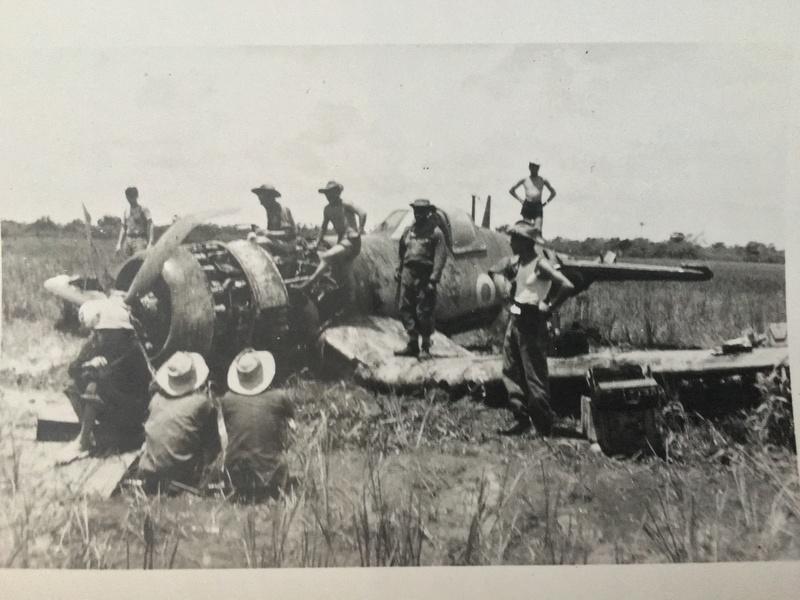 [Les anciens avions de l'aéro] F4 U7 Corsair - Page 27 Img_3311