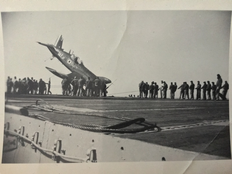 [Les anciens avions de l'aéro] F4 U7 Corsair - Page 27 Img_3312