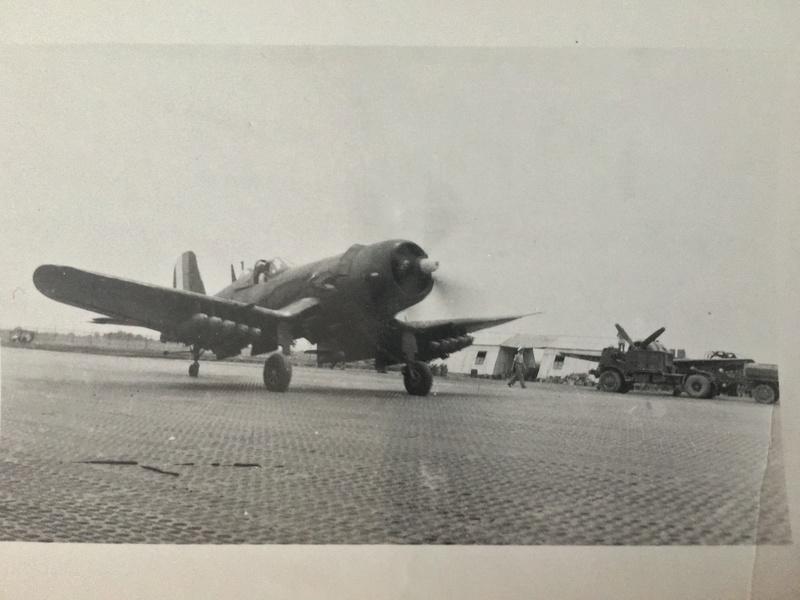 [Les anciens avions de l'aéro] F4 U7 Corsair - Page 27 Img_3315