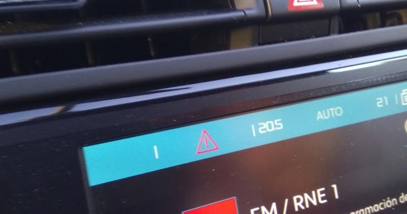 Se puede quitar el triangulito para la notificación de radares de la pantalla principal? Img_2011