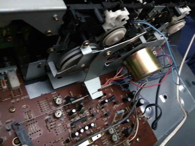 Restauro de um sistema de som Sanyo Img_2013