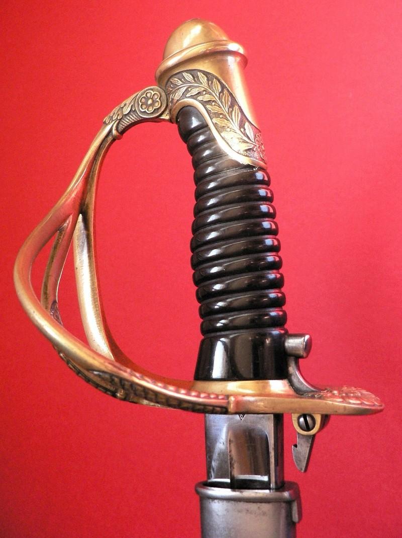 Un sabre d'officier astucieux P1190610