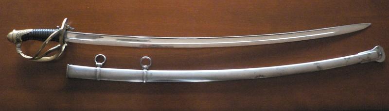 Un sabre d'officier astucieux P1210128