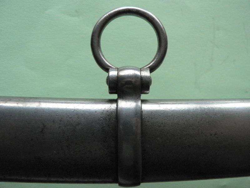 Un sabre d'officier astucieux P1210131