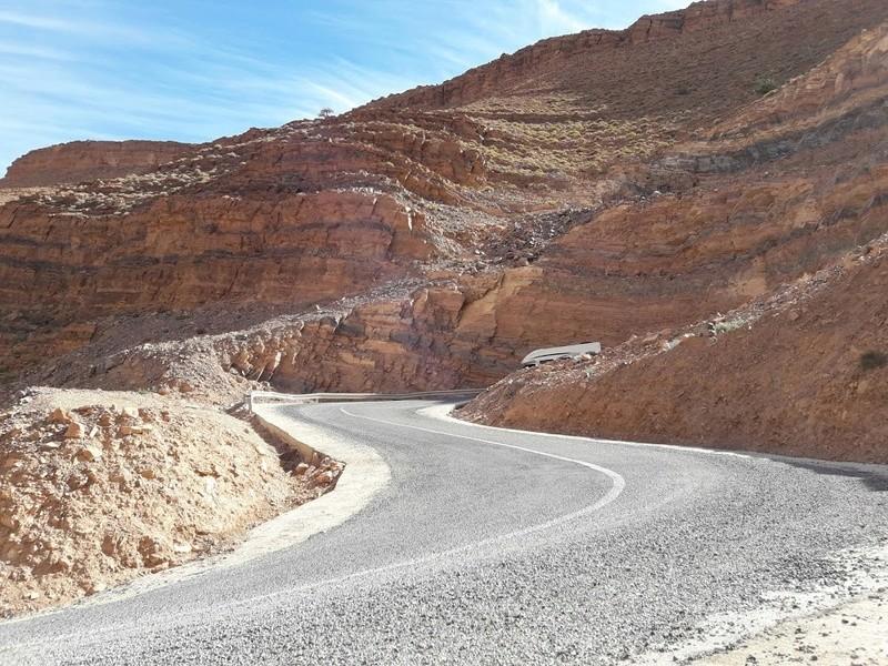 [Carburant, Routes, Police]  Nouvelle route de Tafraoute à Âit-Herbi sur la N 12  20180119
