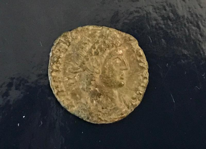 AE4 tipo GLORIA EXERCITVS. Constantinopla Img_4510